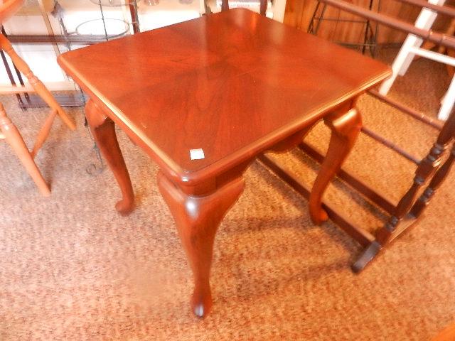 QA End Table